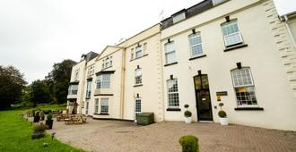 OYO Flagship Winford Manor - Bristol - Building