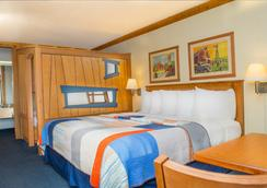 Grand Country Waterpark Resort - Branson - Bedroom