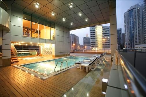 Gulf Oasis Hotel Apartments - Dubai - Pool