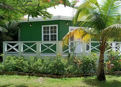 Cocotal Inn and Cabanas - San Pedro Town - Outdoor view