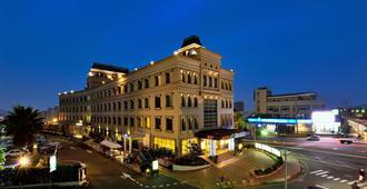 Shinkansen grand Hotel - Taichung - Bâtiment