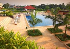 Radisson Blu Dhaka Water Garden - Dhaka - Bể bơi