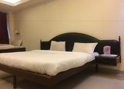 Hotel Kings Retreat - Patiāla - Bedroom