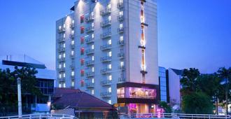 Favehotel Tanah Abang - Cideng - Yakarta - Edificio