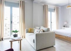 Omnia Pagrati Apartments - Athens - Bedroom