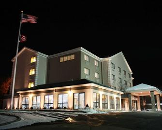Best Western Plus West Akron Inn & Suites - Akron - Edificio