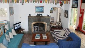Tas D Viaje Hostel - Surfcamp - Suites - Punta del Este - Olohuone