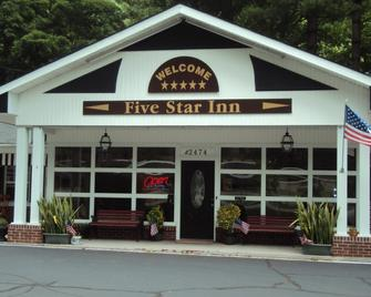 Five Star Inn - Maggie Valley - Gebäude