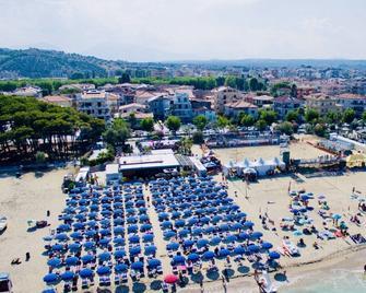 Hotel La Pergola - Alba Adriatica