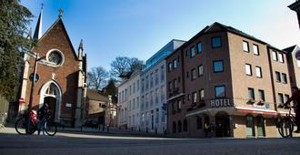 Hotel New Damshire - Lovaina - Vista del exterior