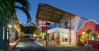 First Curacao Hostel - Willemstad - Edificio