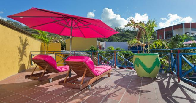 First Curacao Hostel - Willemstad - Balcony