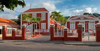 First Curacao Hostel - Willemstad - Building