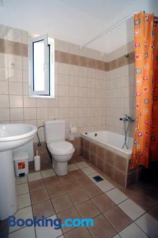Evilion Hotel - Stalos - Bathroom