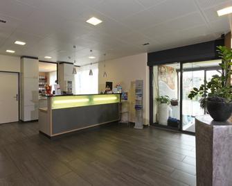 Aarau West Swiss Quality Hotel - Aarau - Front desk