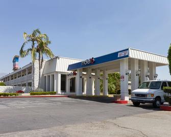 Motel 6 Claremont, CA - Claremont - Gebouw