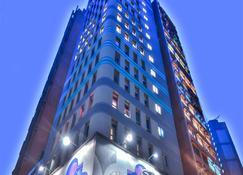 Madera Hollywood - Hong Kong - Edificio