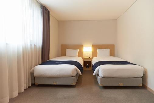 Tower Hill Hotel - Busan - Phòng ngủ