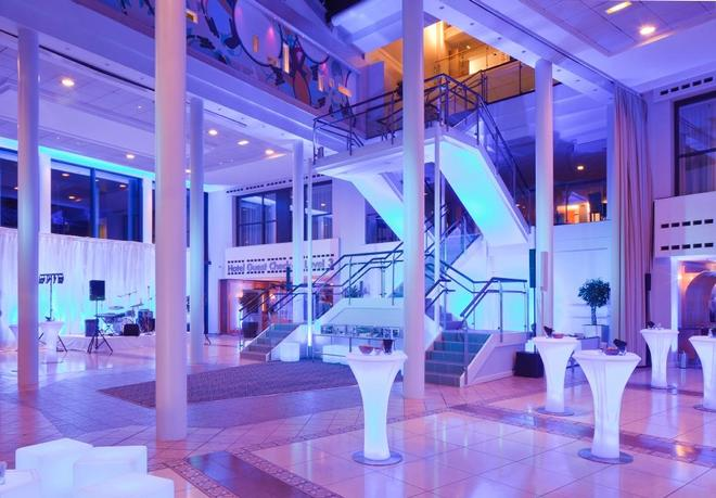 Radisson Blu Hotel Manchester Airport - Manchester - Lobby