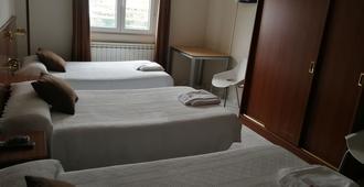 Hostal Cerecedo - León - Bedroom