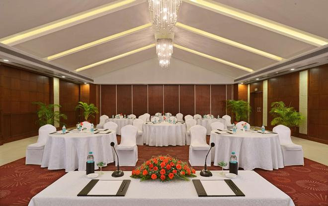 Country Inn & Suites By Radisson, Goa Candolim - Panaji - Sala de banquetes