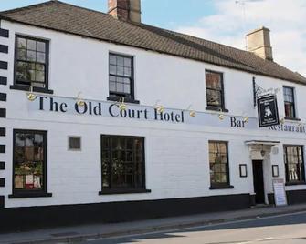 The Old Court Hotel - Witney - Edificio