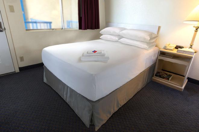 加拿大最佳價值酒店 - 喬治王子城 - 喬治王子城 - 臥室