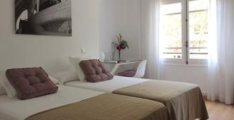 7 Moons Bed & Breakfast - Valencia - Bedroom