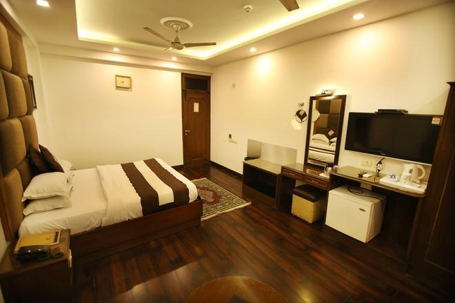 豪華景觀道路酒店 - 新德里 - 新德里 - 臥室