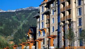 Pan Pacific Whistler Village Centre - Whistler - Building