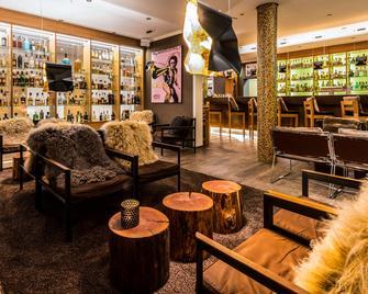 Best Western Plus iO Hotel - Schwalbach am Taunus - Bar