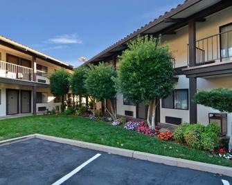 Best Western Plus Inn Scotts Valley - Scotts Valley - Building