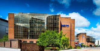 Park Inn by Radisson Cardiff City Centre - Κάρντιφ - Κτίριο