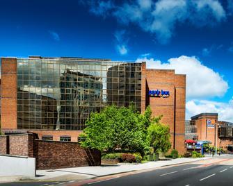 Park Inn by Radisson Cardiff City Centre - Cardiff - Building