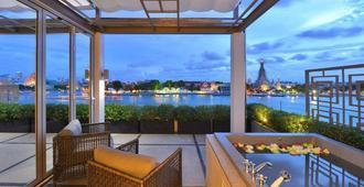 Riva Arun Bangkok - בנגקוק - מרפסת