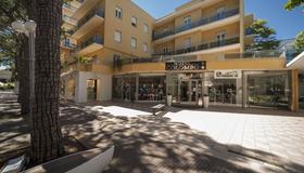 Hotel Colombo - Riccione - Edificio