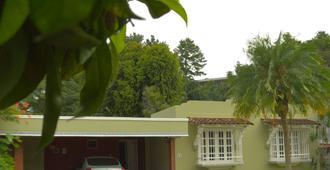 Bienvenue chez nous - Ciudad de Panamá - Vista del exterior