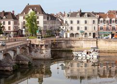 Ibis Auxerre Sud - Веной - Вид снаружи