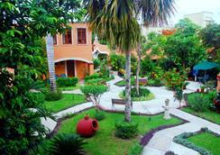 Hacienda San Miguel Hotel & Suites - Cozumel - Outdoor view
