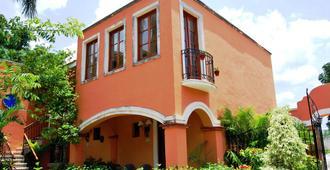 Hacienda San Miguel Hotel & Suites - קוזומל