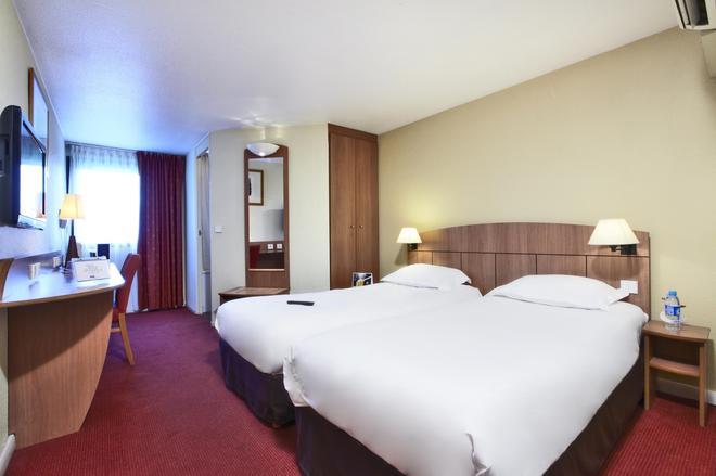 Kyriad Geneve - Saint-Genis-Pouilly - Saint-Genis-Pouilly - Bedroom