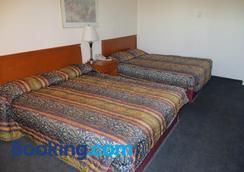 Westgate Inn - Edmonton - Bedroom