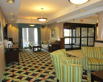 Country Inn & Suites By Radisson Murrells Inlet, SC - Murrells Inlet - Wohnzimmer