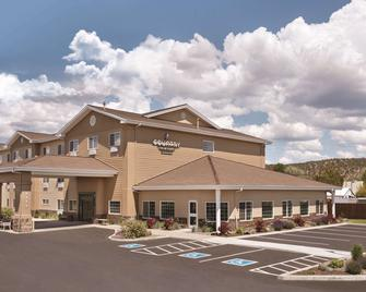 Country Inn & Suites by Radisson, Prineville, OR - Prineville - Building