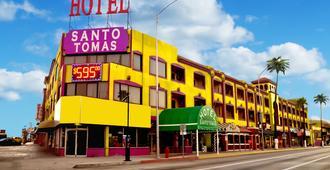 Hotel Santo Tomas - אנסנדה - בניין