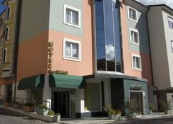 Hotel San Michele - Áquila - Edifício