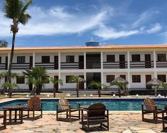 Porto Princesa Praia Hotel - Santa Cruz Cabralia - Pool