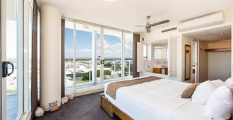 Lanai Riverside Apartments - Mackay - Bedroom