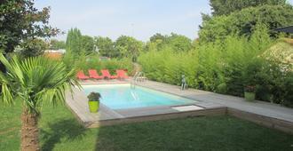 La Galerie - Tu-lu-dơ - Bể bơi