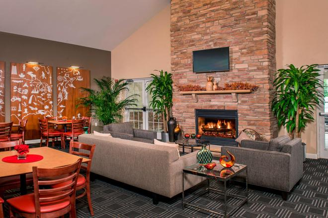 TownePlace Suites by Marriott Clinton at Joint Base Andrews - Clinton - Bar